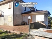 Villa with land for sale near the center of Campobasso, Molise 3