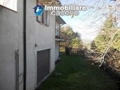 Villa with land for sale near the center of Campobasso, Molise 4