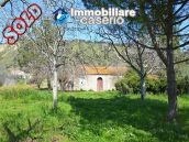 Colonial farmhouse with two hectares of land for sale in Pollutri, Abruzzo, Italy 1