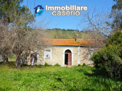 Colonial farmhouse with two hectares of land for sale in Pollutri, Abruzzo, Italy 2