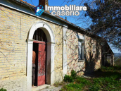 Colonial farmhouse with two hectares of land for sale in Pollutri, Abruzzo, Italy 3