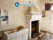 Colonial farmhouse with two hectares of land for sale in Pollutri, Abruzzo, Italy 5