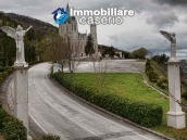 Villa with garden and swimming pool for sale in Castelpetroso, Isernia, Molise, Italy 24