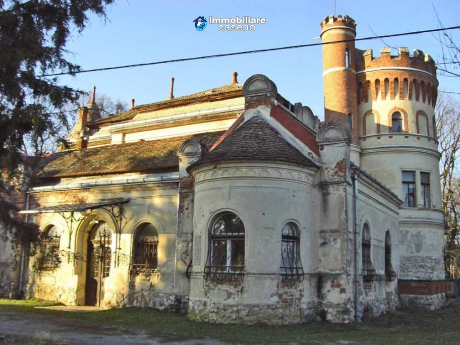 Castles Floor Plans besides Get Look Tudor Style besides Historic castle for sale in Croatia 1535 besides 54589 Castles Beginners moreover A Queen Anne Victorian Designed In 1885 Built In 2002. on historic castle floor plans