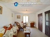 House for sale, low price, located in the village of Tufillo, Chieti  5