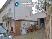 Rural house habitable for sale with 2 hectares in Canosa Sannita, Chieti, Abruzzo 2