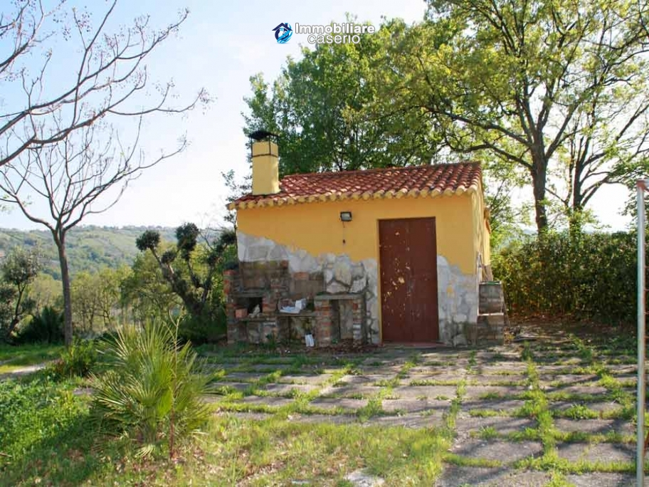 Country house with land for sale in Casalbordino, Chieti, Abruzzo