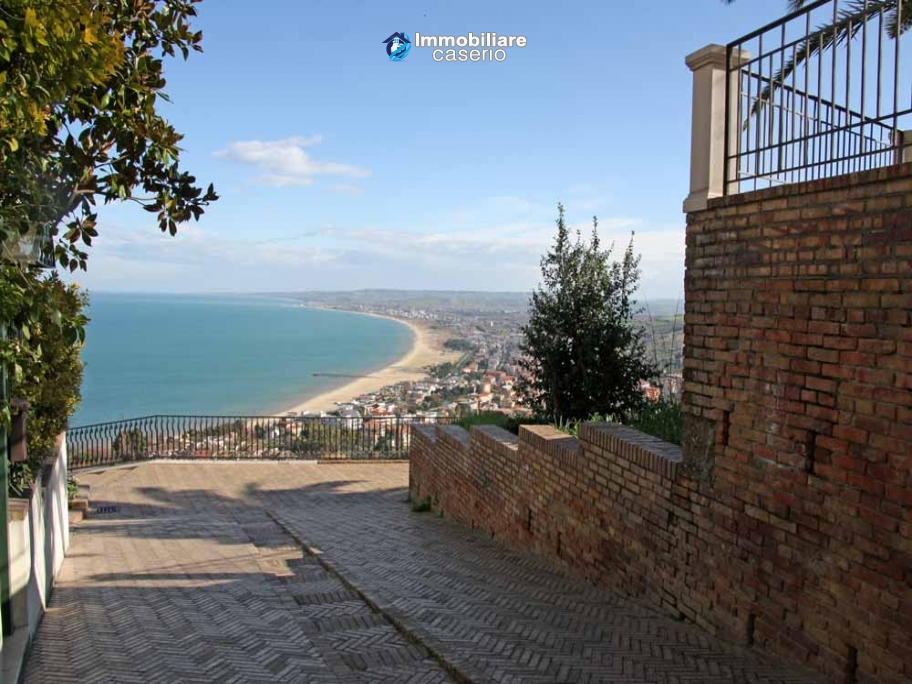 Apartment with garden for sale in Vasto, Chieti