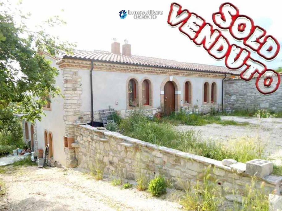 Spacious country villa for sale in Busso, Campobasso