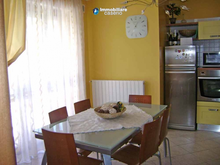 Apartment with garden and garage for sale in vasto chieti for Garage with apartment for sale
