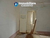 Big town house with land for sale in Casalanguida, Abruzzo 18