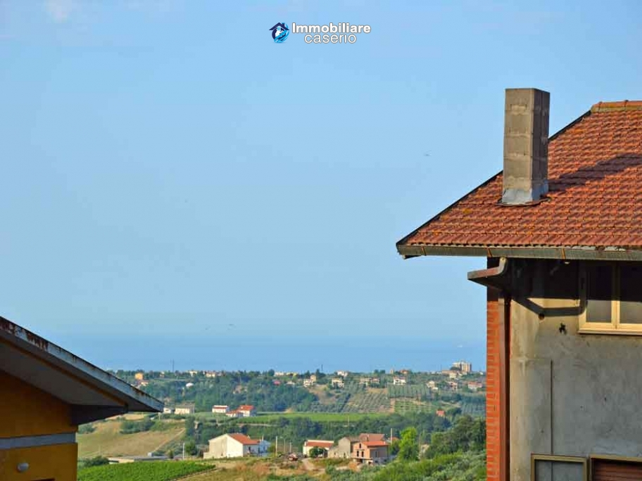Spacious habitable house for sale with sea view in Monteodorisio, Abruzzo
