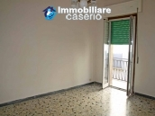 Habitable town house for sale by the sea in Montenero di Bisaccia, Molise 4