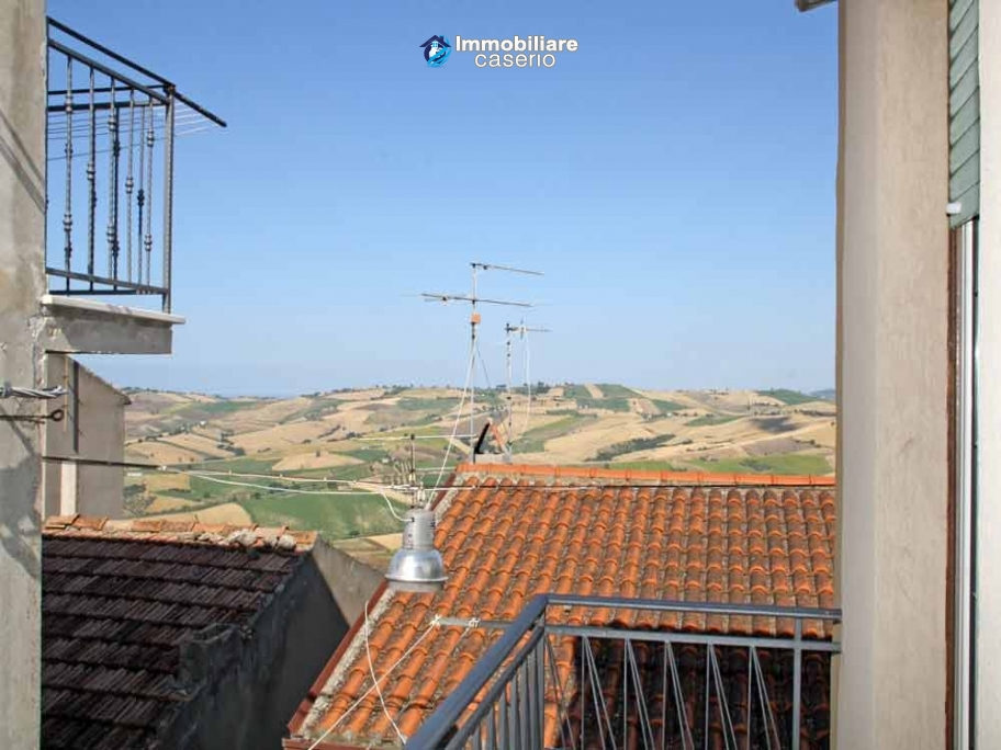 Habitable town house for sale by the sea in Montenero di Bisaccia, Molise