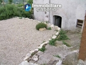 Town house with garden for sale in Carunchio, Chieti, Abruzzo 4
