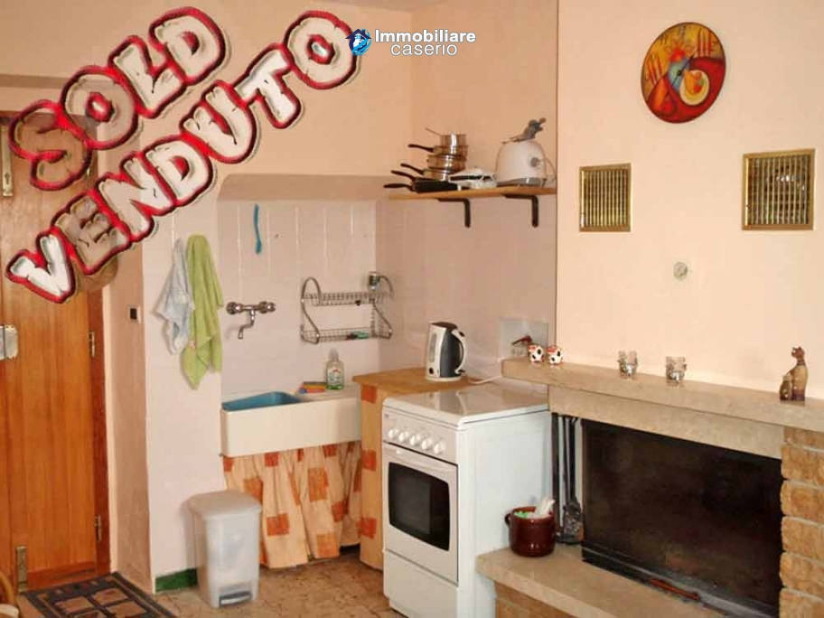 Town house with garden for sale in Carunchio, Chieti, Abruzzo