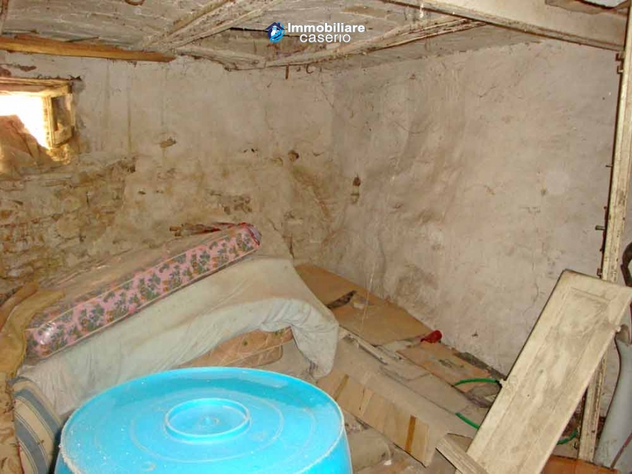 Cheap Old Stone House For Sale In Montazzoli Abruzzo