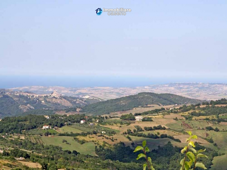 Town house sea view with garden for sale in Palmoli, Abruzzo