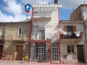 Habitable spacious town house for sale in Furci, Abruzzo 1