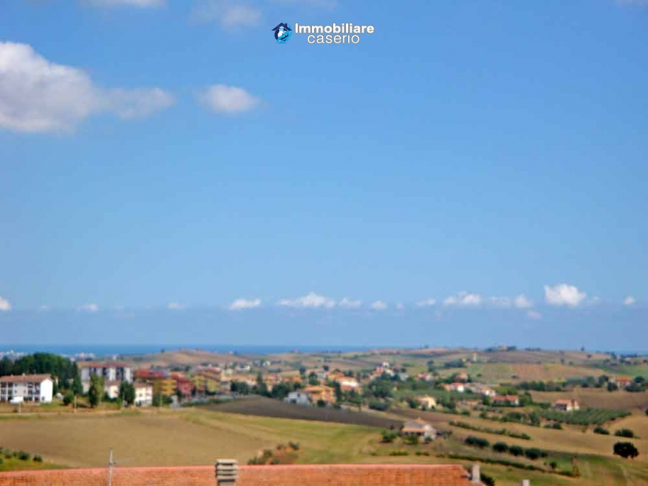 Attic to complete for sale not far from the sea, Molise