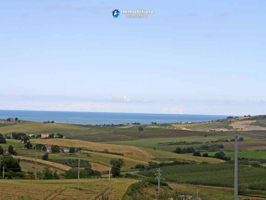 House to finish with sea view for sale in Montenero di Bisaccia, Molise
