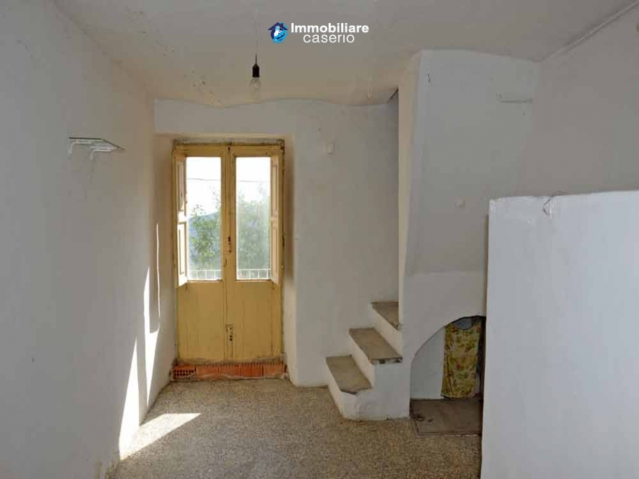 Town house not far from the sea for sale in Abruzzo