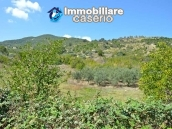 Rustic cottage with lake view for sale in Guardialfiera, Molise 3
