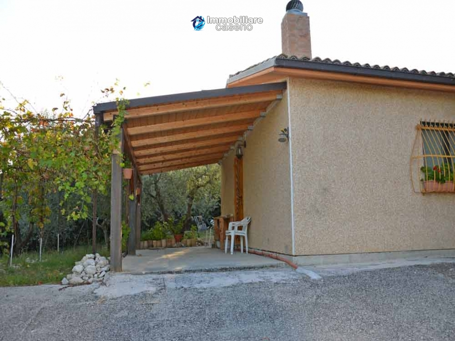 Habitable country houses with olive trees for sale in Guardialfiera, Molise