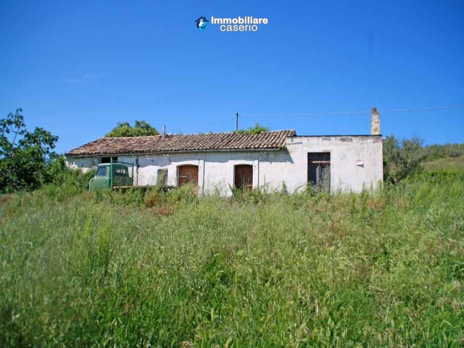 Cottage To Renovate For Sale In Torino Di Sangro Near The Sea 1