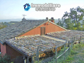 Farm house rustic and elegant taste for sale in Fossalto, Molise 16