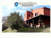 Farm house rustic and elegant taste for sale in Fossalto, Molise 2