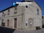 Town house in the centre of village in Schiavi di Abruzzo 1