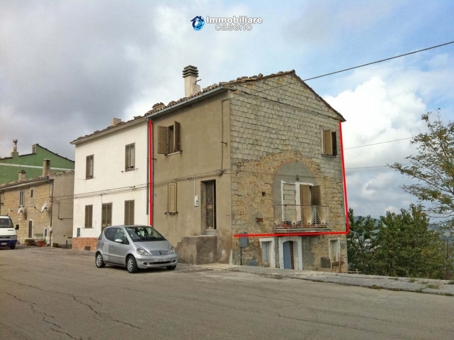Renovated two bedrooms house for sale in Fraine, Abruzzo
