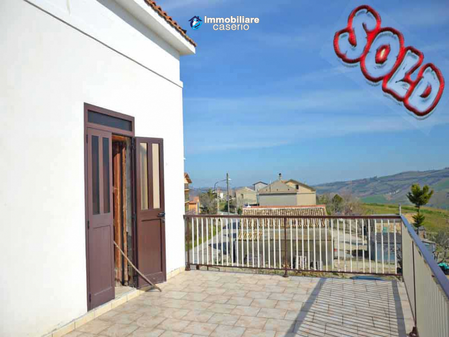 Habitable farmhouse detached with terrace and garden for sale in Atessa, Italy