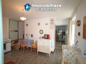 Town house with terrace for sale in Carunchio, Abruzzo 2