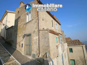 Town house with terrace for sale in Carunchio, Abruzzo 5