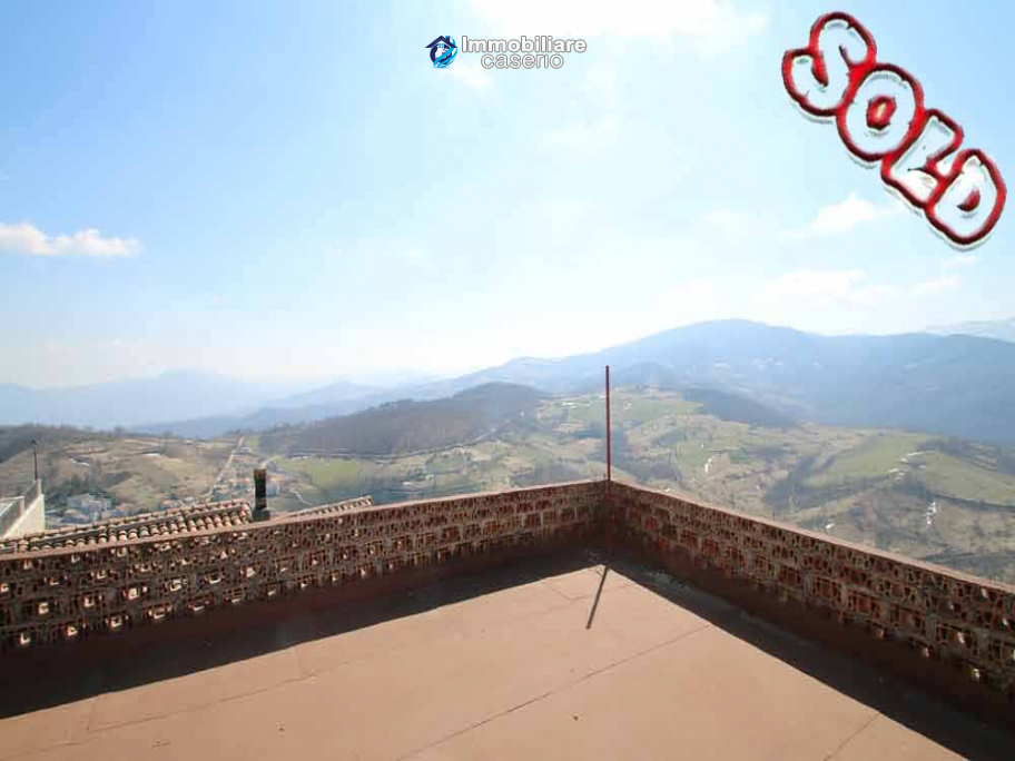 Town house with terrace for sale in Carunchio, Abruzzo