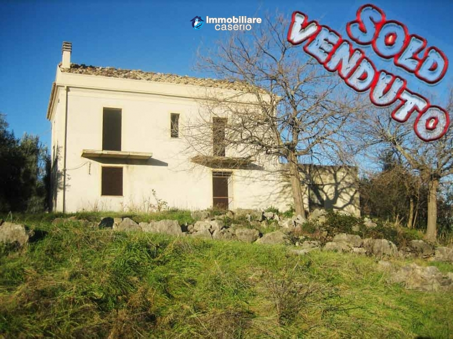 Renovated coutry house with land for sale in Archi, Abruzzo