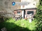 Habitable house not far from the sea with garden for sale in Molise 15