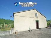 Country house with land, garage and terrace for sale in Molise 18