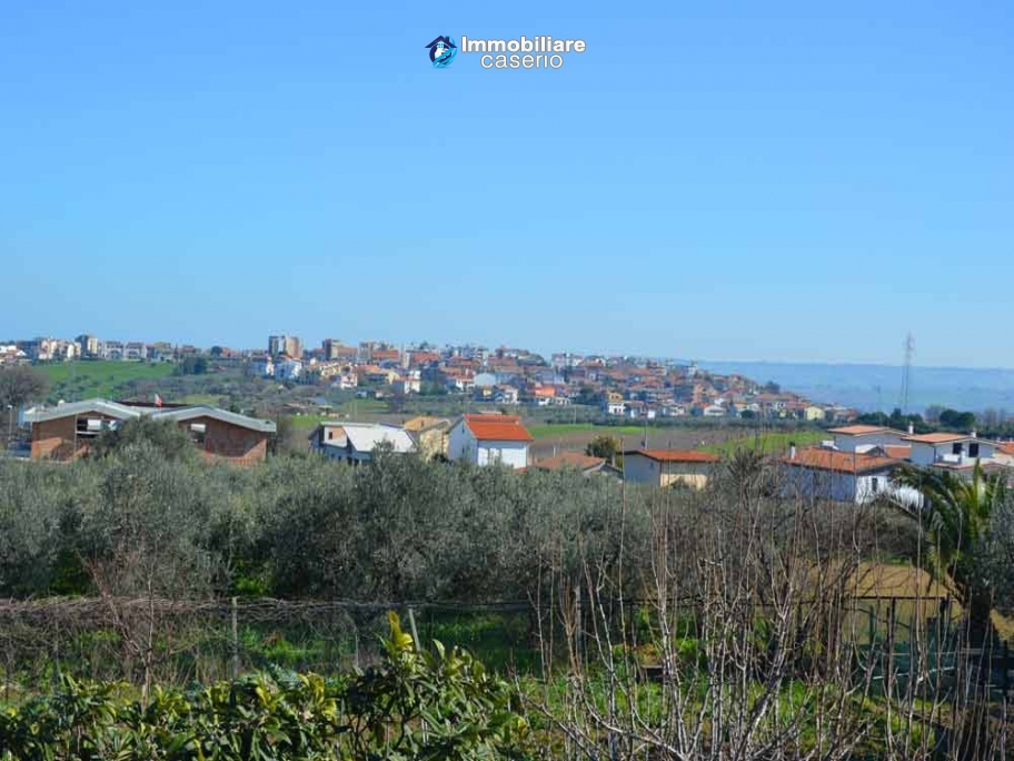 Big country house with land with sea view for sale in San Salvo, Abruzzo