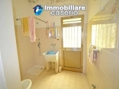 Detached country house with land for sale in Roccaspinalveti 10