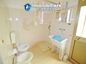 Detached country house with land for sale in Roccaspinalveti 11