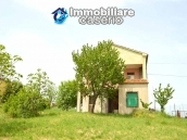Detached country house with land for sale in Roccaspinalveti 2