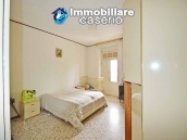Detached country house with land for sale in Roccaspinalveti 21