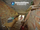 Detached country house with land for sale in Roccaspinalveti 26