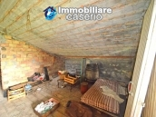 Detached country house with land for sale in Roccaspinalveti 27