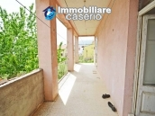 Detached country house with land for sale in Roccaspinalveti 29