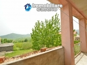 Detached country house with land for sale in Roccaspinalveti 30
