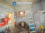 Detached country house with land for sale in Roccaspinalveti 32
